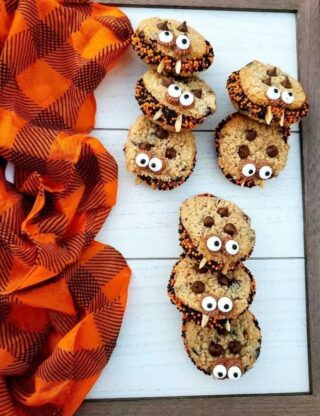 Halloween Chocolate chip cookie sandwiches