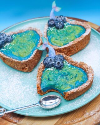 beautiful matcha pie tarts with an ocean theme
