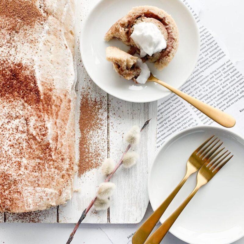 vanilla cake roll