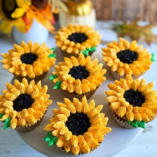 Sunflower cupcakes using simply delish instant chocolate pudding
