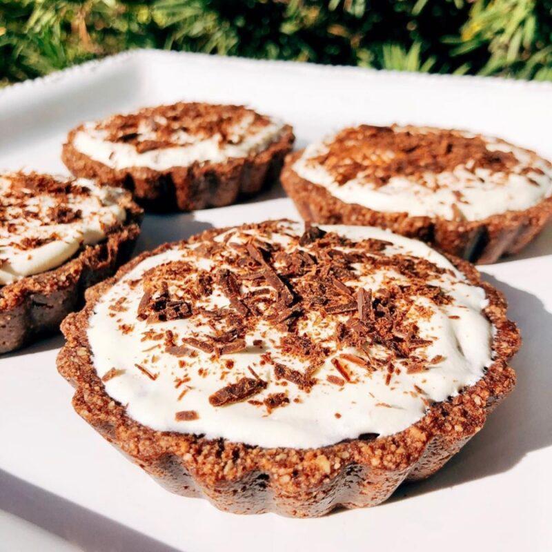 mini chocolate pudding pies