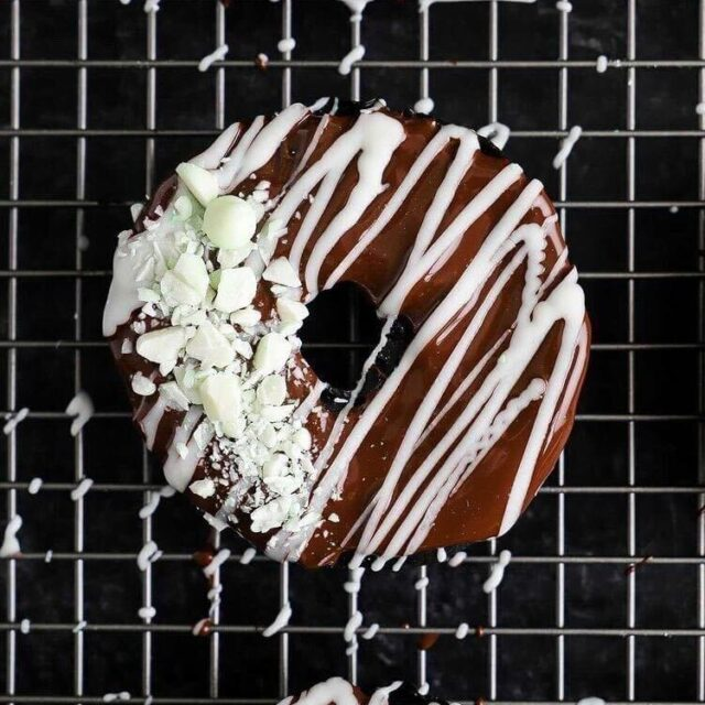 mint chocolate donuts