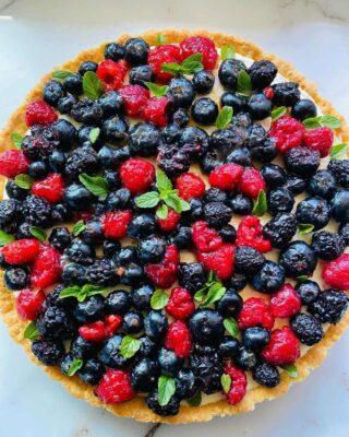 keto berry tart