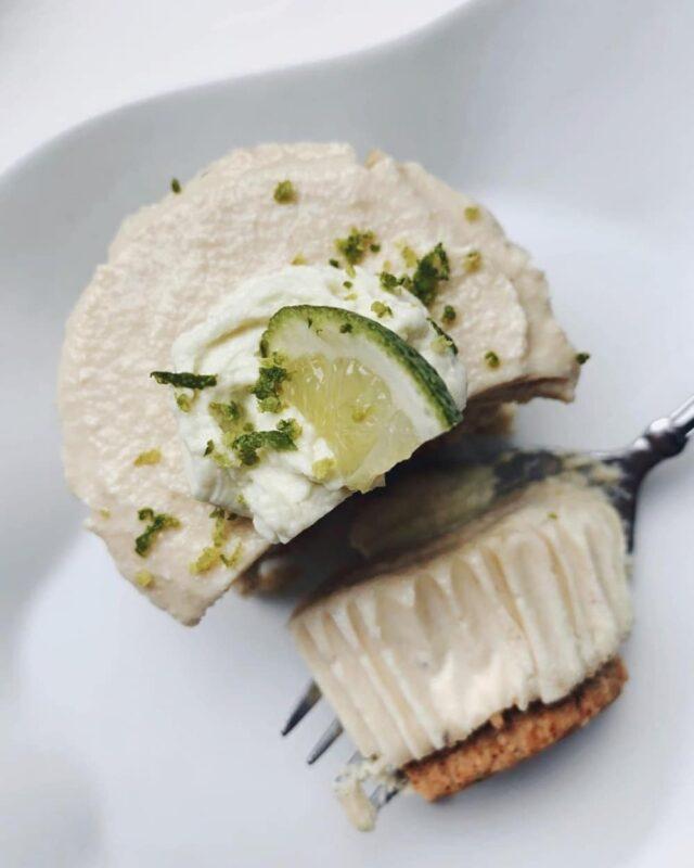 Vegan gluten free mini lime cheesecake - fork